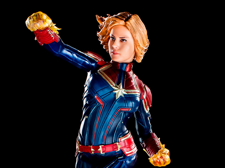 Captain Marvel Battle Diorama Series Captain Marvel 1/10 Art Scale Limited Edition Statue