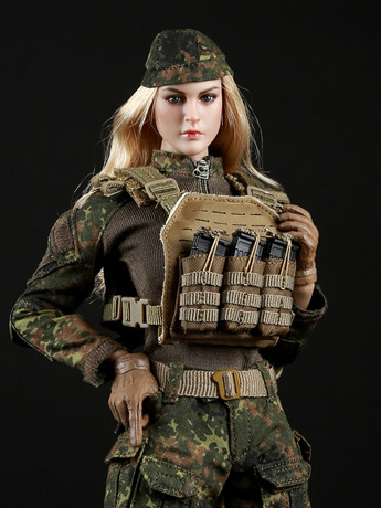 Tactical Female Gunner Camouflage Suit (Green) 1/6 Scale Accessory Set