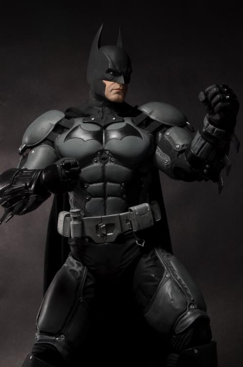 Batman: Arkham Origins Batman 1/4 Scale Figure