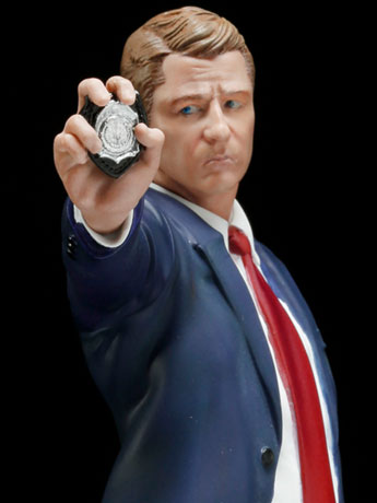 "Gotham ArtFX+ James ""Jim"" Gordon Statue"