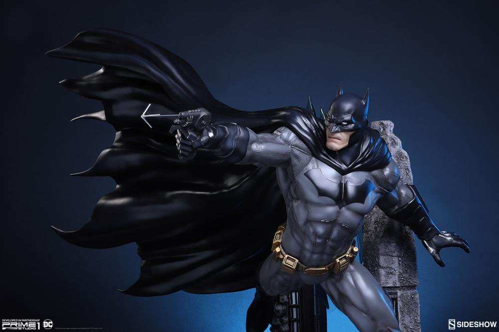 Justice League: New 52 Batman Statue