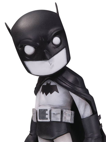 DC Artist Alley Batman (Black & White) Statue (Chris Uminga)