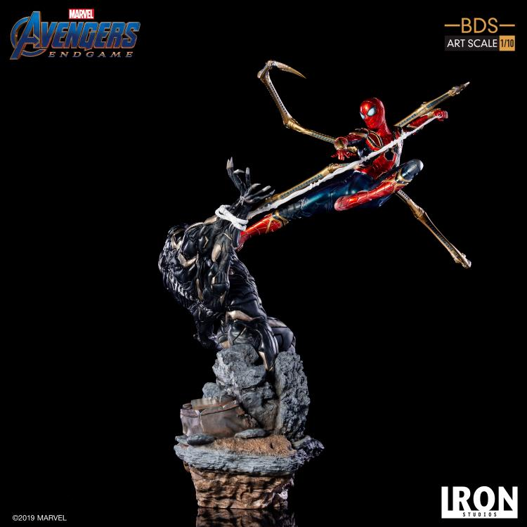 Avengers: Endgame Battle Diorama Series Iron Spider Vs. Outrider 1/10 Art Scale Limited Edition Statue