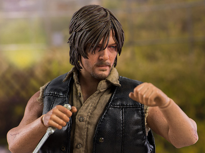 the walking dead daryl dixon 1 6 scale figure. Black Bedroom Furniture Sets. Home Design Ideas