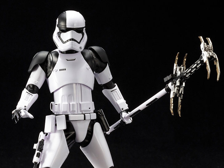 Картинки по запросу Star Wars ArtFX+ Statues - Ep VIII The Last Jedi - 1/10 Scale First Order Stormtrooper Executioner