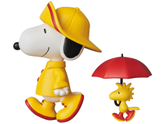 Peanuts Ultra Detail Figure No.377 Raincoat Snoopy & Woodstock