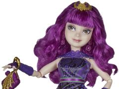 Disney Descendants 2 Royal Yacht Cotillion Mal Figure