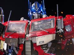Transformers Generation 1 Premium Masterline Optimus Prime Statue