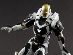 Iron Man 3 Die-Cast Iron Man Mark XXXVIIII Starboost 1/12 Scale Figure