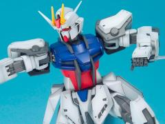 Gundam 1/60 Big Scale Strike Gundam Exclusive Model Kit