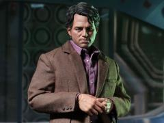 The Avengers MMS229 Bruce Banner 1/6th Scale Collectible Figure + $75 BBTS Store Credit Bonus