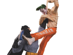 DC Comics Batman Vs. The Joker Laff-Co Battle Limited Edition Statue