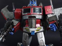 Transformers TF001 Optimus Prime (Starscream Version) + $225 BBTS Store Credit Bonus
