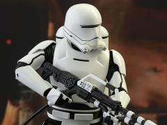 Star Wars: The Force Awakens MMS326 First Order Flametrooper 1/6th Scale Collectible Figure