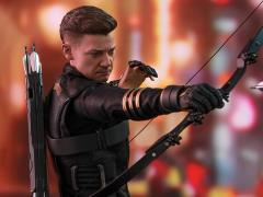 Avengers: Endgame MMS531 Hawkeye 1/6th Scale Collectible Figure