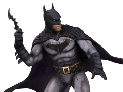 DC Designer Series Batman Limited Edition Statue (Olivier Coipel)
