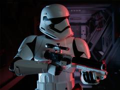 Star Wars Premium Format First Order Stormtrooper (The Force Awakens)