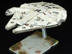 Star Wars Millennium Falcon (The Last Jedi) 1/144 Scale Model Kit