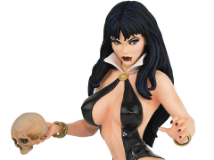 Women of Dynamite Vampirella Bust by Arthur Adams (Black & Blood)