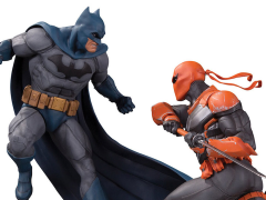 DC Comics Batman vs. Deathstroke Limited Edition Battle Statue