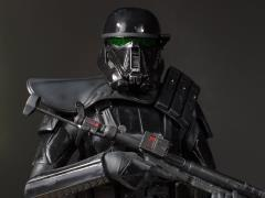 Rogue One: A Star Wars Story Collector's Gallery Death Trooper Specialist Statue