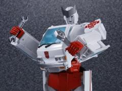 Transformers Masterpiece MP-30 Ratchet (With Collector Coin)