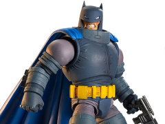 DC Comics Multiverse Armored Batman (Collect & Connect Doomsday)