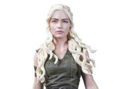 "Game of Thrones Mother of Dragons Daenerys 7.5"" Figure"