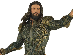 Justice League Aquaman Statue Exclusive