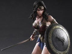 Batman v Superman Play Arts Kai Wonder Woman