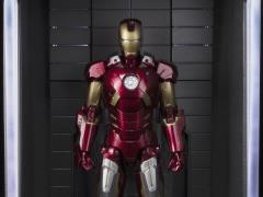 Avengers S.H.Figuarts Iron Man Mark VII & Hall Of Armor Set