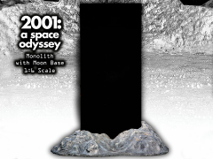 2001: A Space Odyssey 1/6 Scale Monolith & Moon Base