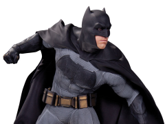 Batman v Superman Batman 1/6 Scale Statue