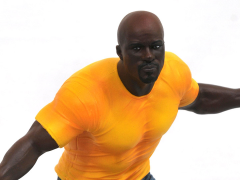 The Defenders Gallery Luke Cage Figure