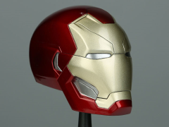 Captain America: Civil War Marvel Armory Collection Iron Man 1/3 Scale Helmet Replica