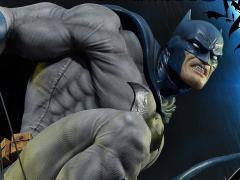 Batman: Hush Museum Masterline Batman Statue