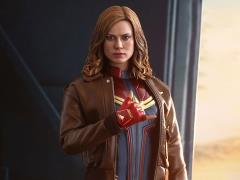 Captain Marvel MMS522 Captain Marvel (Deluxe) 1/6th Scale Collectible Figure