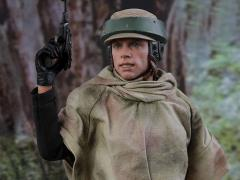 Star Wars: Return of the Jedi MMS516 Luke Skywalker (Endor) 1/6 Scale Collectible Figure
