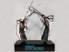 Edward Scissorhands Life-Size Scissorhands Replica
