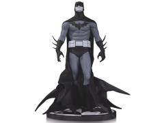 Batman Black And White Statue (Jae Lee)