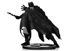 Batman Black And White Statue (Dave Johnson)