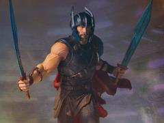 Thor: Ragnarok Collector's Gallery Thor Statue
