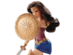 Wonder Woman Deluxe Fashion Doll - Shield Block Wonder Woman