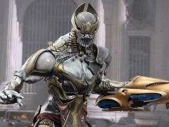 The Avengers MMS227 Chitauri Commander 1/6th Scale Collectible Figure + $125 BBTS Store Credit Bonus