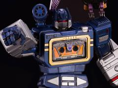 Transformers Generation 1 Soundwave Statue With Exclusive Ratbat (LE 200)