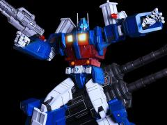 Transformers Generation 1 Ultra Magnus Statue (LE 388)