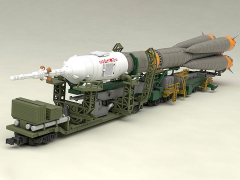 1/150 Soyuz Rocket & Transport Train Model Kit