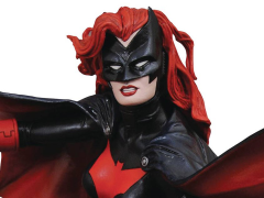 DC Comics Gallery Batwoman Figure