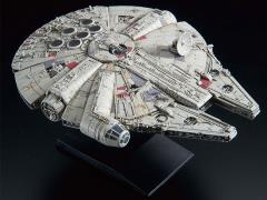 Star Wars Millennium Falcon (Empire Strikes Back) 1/350 Scale Model Kit