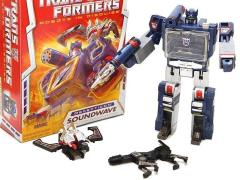 Transformers Generations Commemorative Soundwave with Ravage & Laserbeak